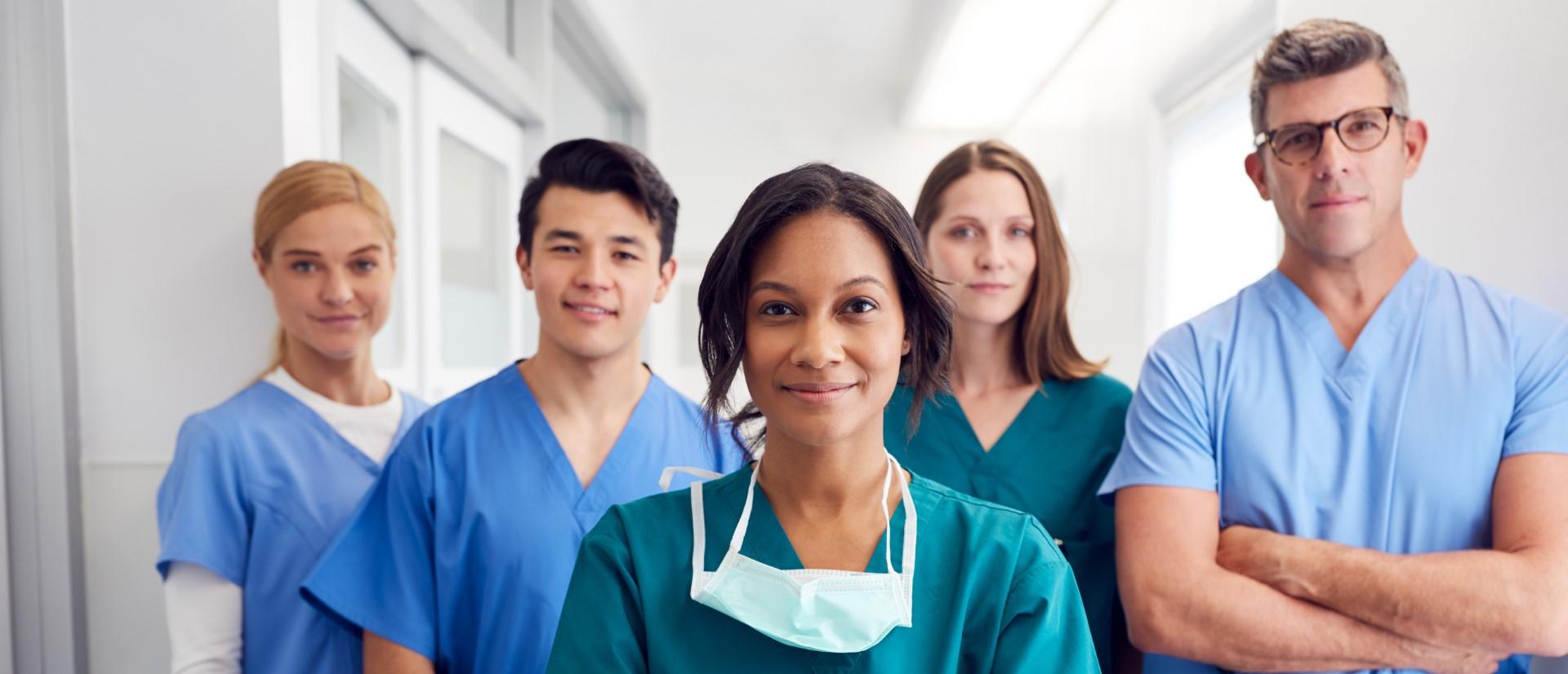 Zorgsector: verpleegkundige, zorgkundige en artsen
